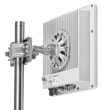 InfiNet Wireless InfiMAN 2x2 PRO R5000-Omxb/35.300.2x200
