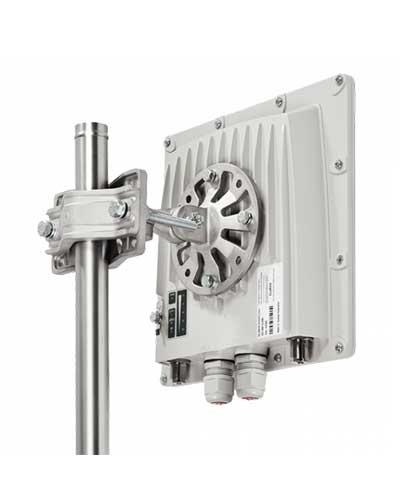 InfiNet Wireless InfiMAN 2x2 R5000-Lmnc/35.300.2x200